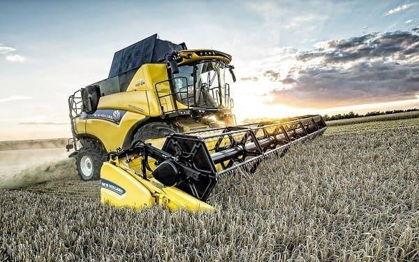 New_Holand_harvester